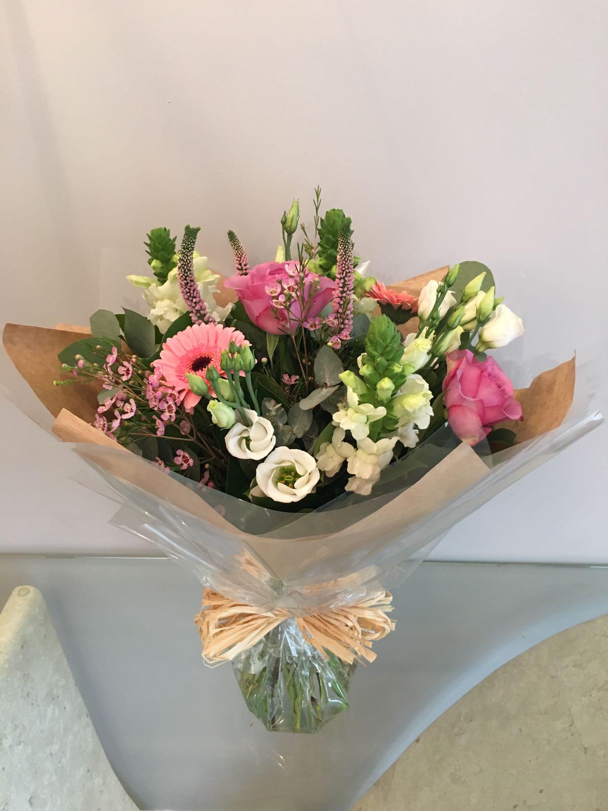handtied bouquet beatrice