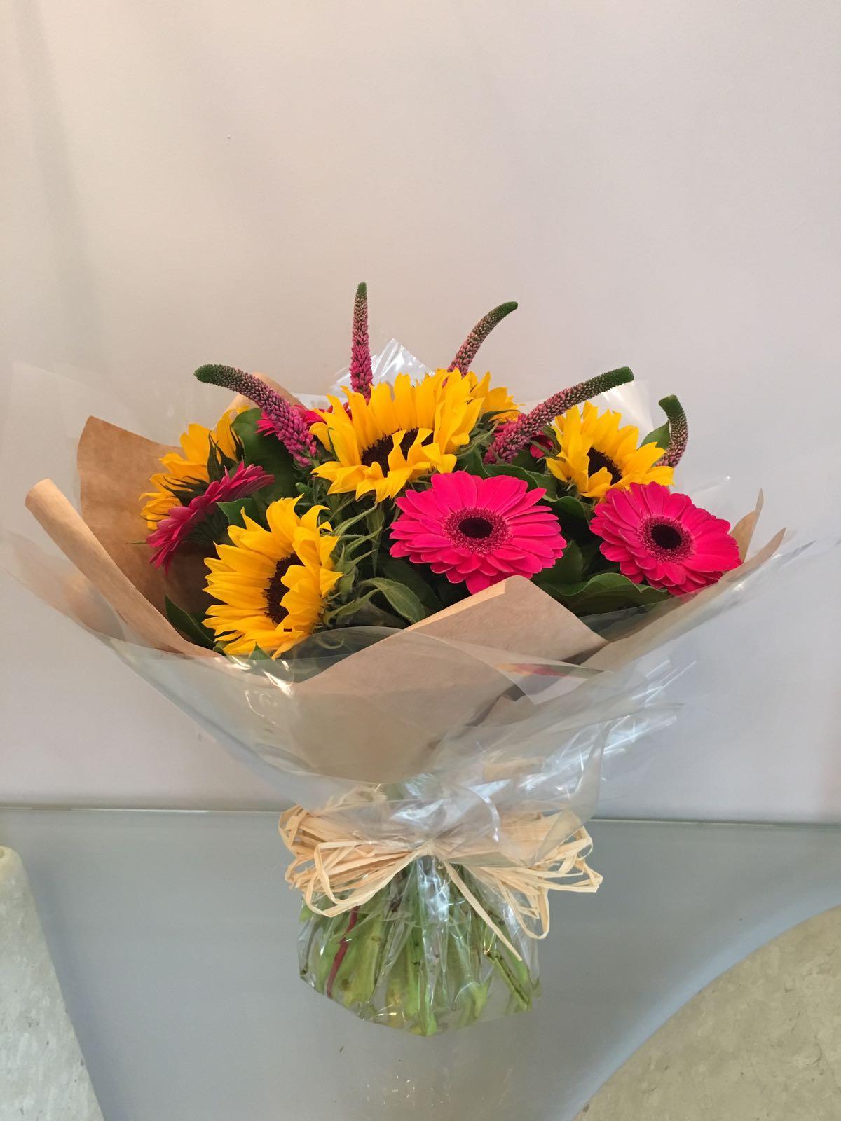 handtied bouquet lydia