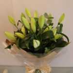 handtied lily bouquet claudia 2