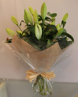 handtied lily bouquet claudia